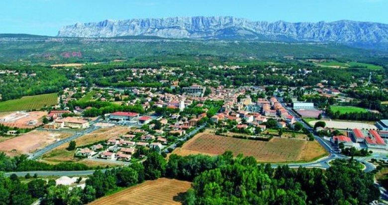 Achat / Vente immobilier neuf Rousset au pied de la Sainte-Victoire (13790) - Réf. 493